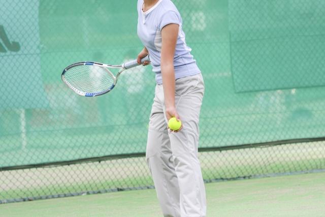 ソフトテニスのアンダーカットサーブ