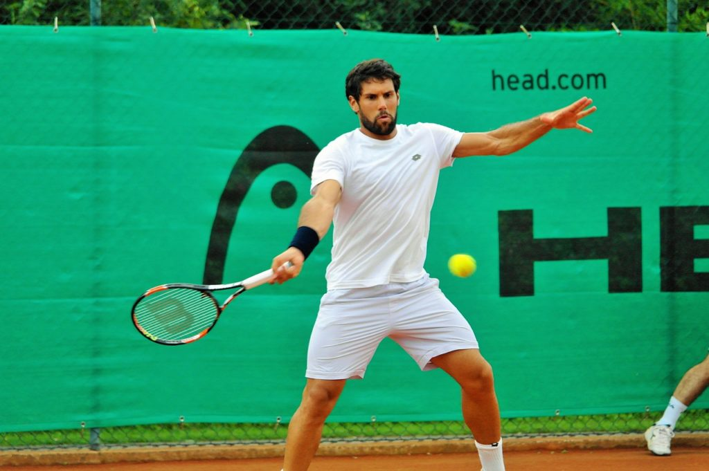 ソフトテニスロブ男性2