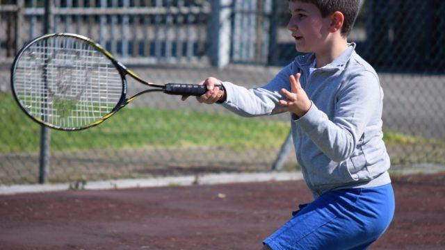 テニス前衛